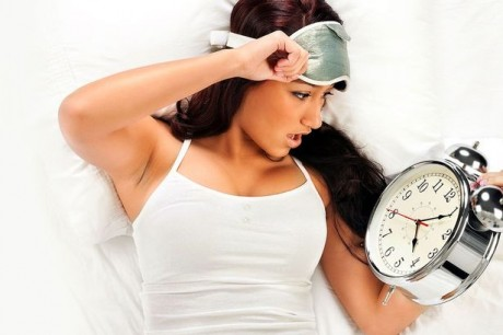 woman-with-alarm-clock